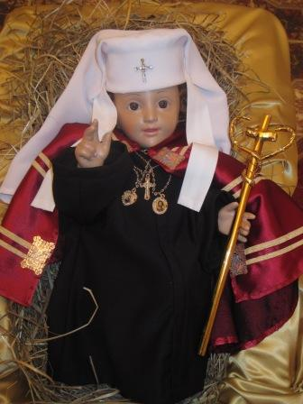 Дитятко Ісус у патріарших ризах