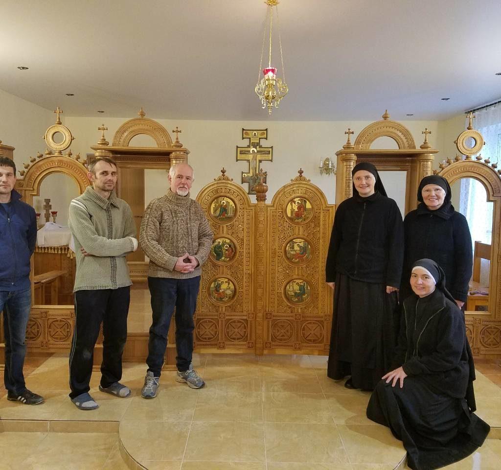 новий іконостас монастиря